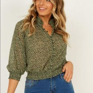 Showpo Just a Feeling Top In Green Floral New!